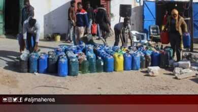 Photo of ضبط مخالفين يقومون ببيع الوقود بشكل غير شرعي في أبو كماش وراس اجدير