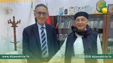 Photo of عقيلة صالح يلتقي الحويج في القبة لاستعراض خطط وبرامج وزارة الاقتصاد
