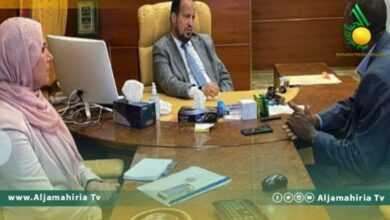 Photo of وزير الصحة يلتقي عميد بلدية غات لبحث التسيّب الوظيفي للعناصر الطبية