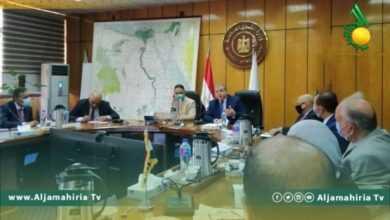 Photo of وزير العمل يلتقي نظيره المصري بالقاهرة لبحث عودة العمال المصريين للبلاد