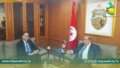 Photo of الحويج يبحث مع نظيره التونسي تحضيرات اجتماع اللجنة الليبية التونسية المشتركة